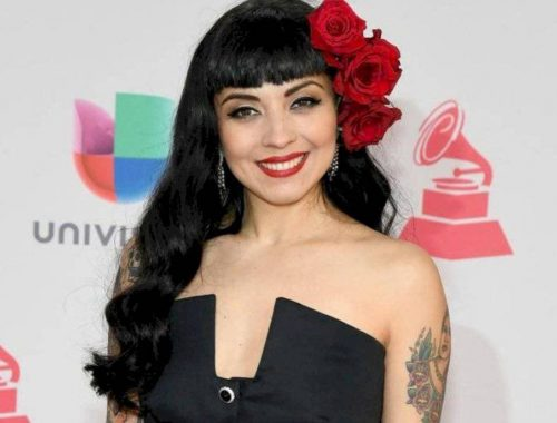 mon-laferte-listening-and-speaking-teacher-sra-javy